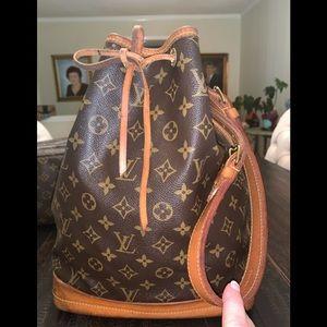 Louis Vuitton NOE- VGUC.  Great shoulder bag,
